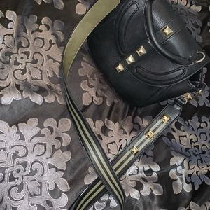 Steve Madden purse with strap!